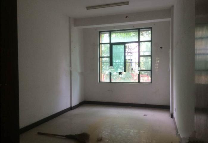 工人北路占地2间店面垂直楼 年租金50万 出让金已交 位置好