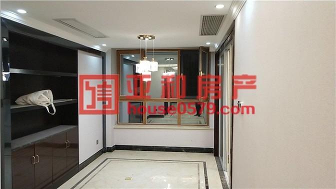 万达广场143平4房2厅精装修未曾入住 一线江景房 配套成熟