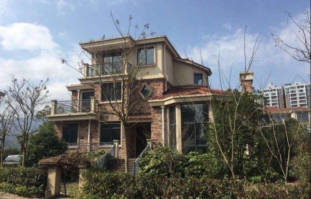 义乌周边 独栋别墅,大花园,靠近红旗水库,急卖!花园500平