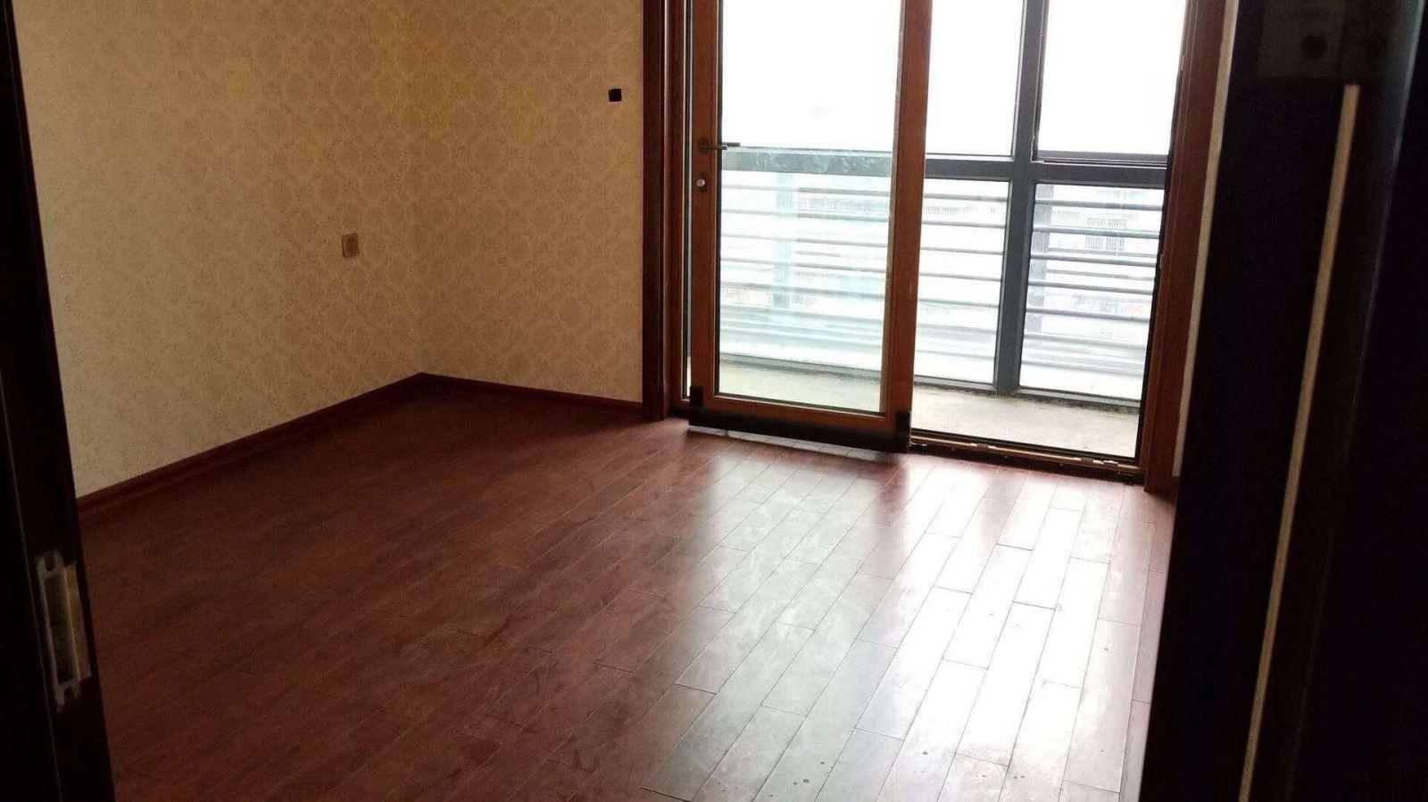 宾王中小学 中厦国际108平舒适两房 好楼层带电梯235万