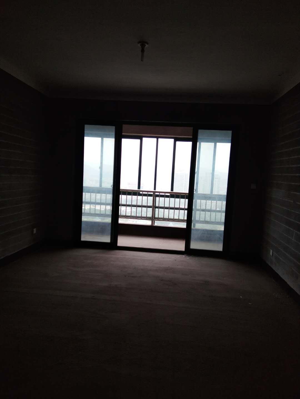 诚信二区69平112万宾王中学边套2房