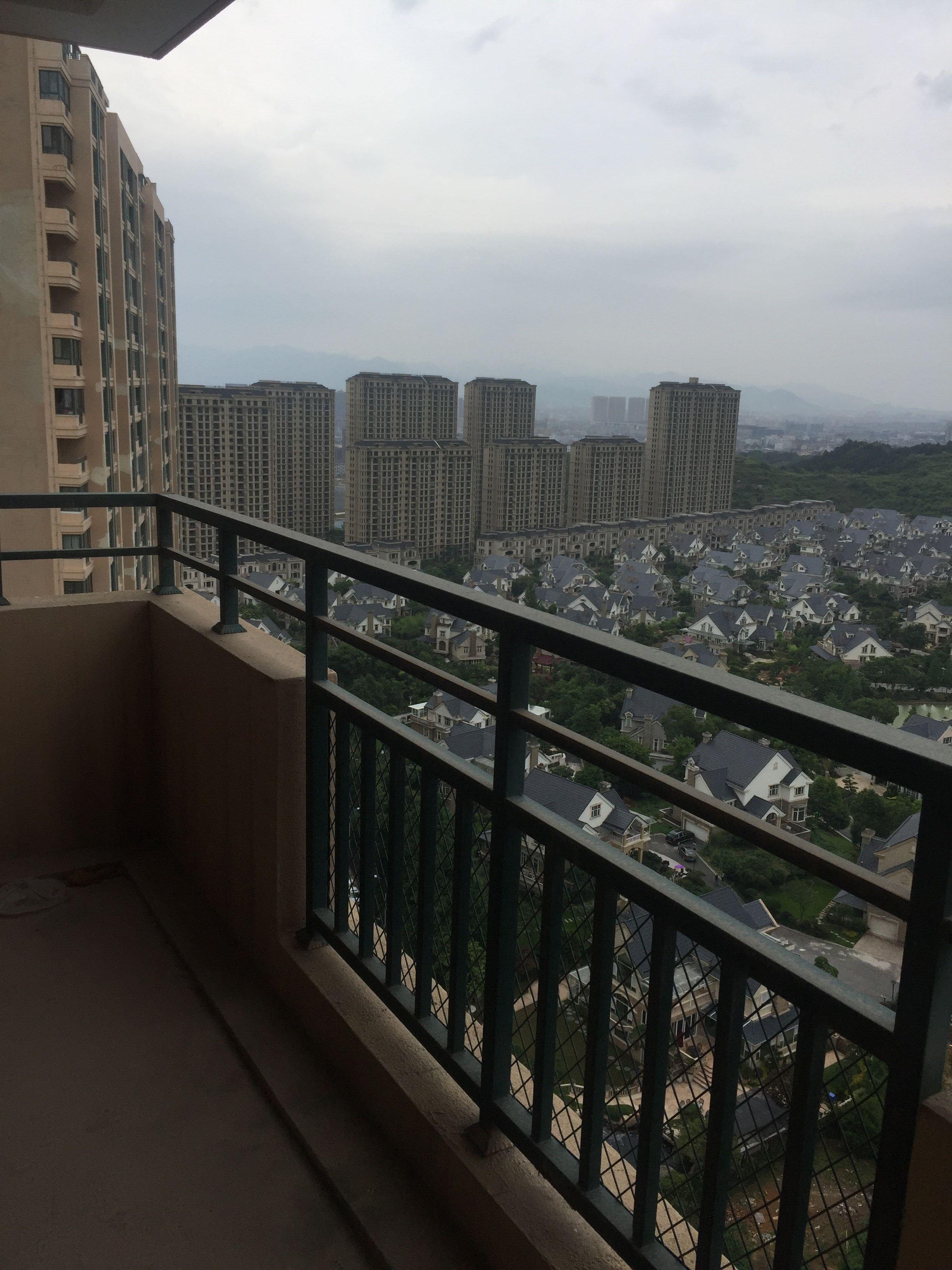 紫荆公寓106平O户型高层朝别墅纯毛坯可按揭