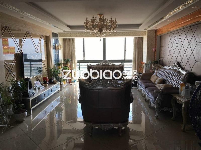 江东城市风景 精装70万 大三房 户型好 急售 价格好谈