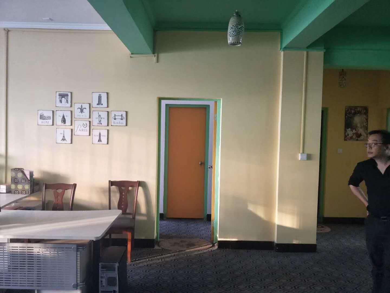 稠城银龙商务楼 带8平地下车库 已出让满两年 宾王中小学
