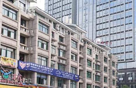 福田一区垂直房1间7层占地43平年租18万未出让带地下室