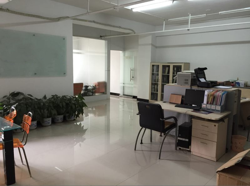 江东香江公寓110平东边套江东中小学证齐满5年简装诚心出售