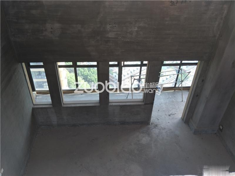 梅湖国际公馆,复式顶楼景观房 俯瞰梅湖全貌