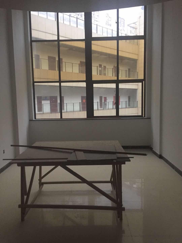 江东创想广场楼中楼两层可挂学区,实用135平送30平方车库