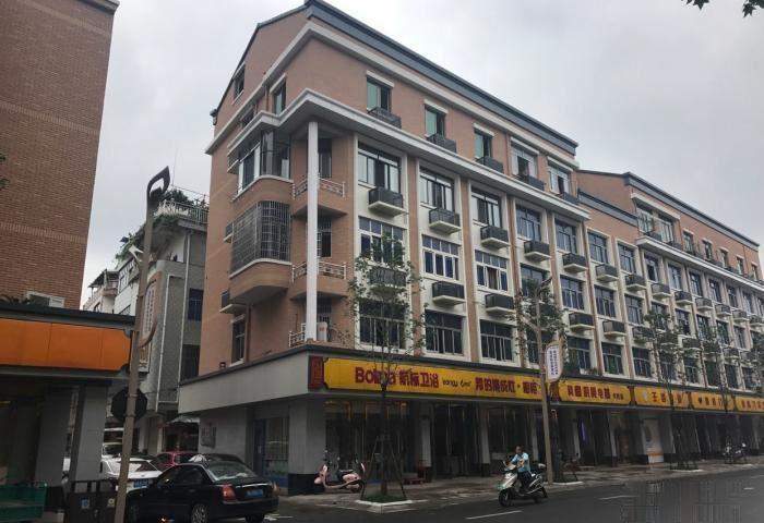佛堂 大成路 三间垂直楼 做生意和住两用的,精装修,地理位置