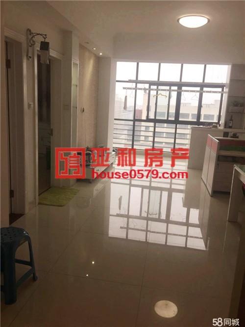 北苑沪江公寓 精装修 两室朝南户型 小区中心不靠路