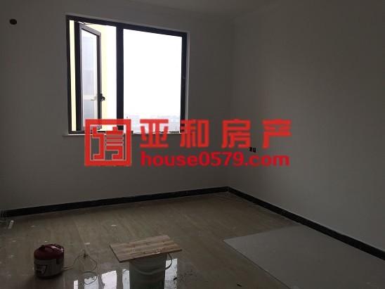 香溪裕园 140大三房 装修好入住  带车位