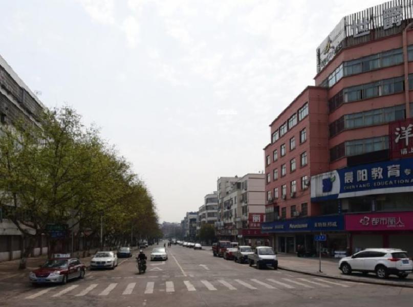 三挺路垂直房、建筑面积435平宾王中心位置租金稳定年租40万