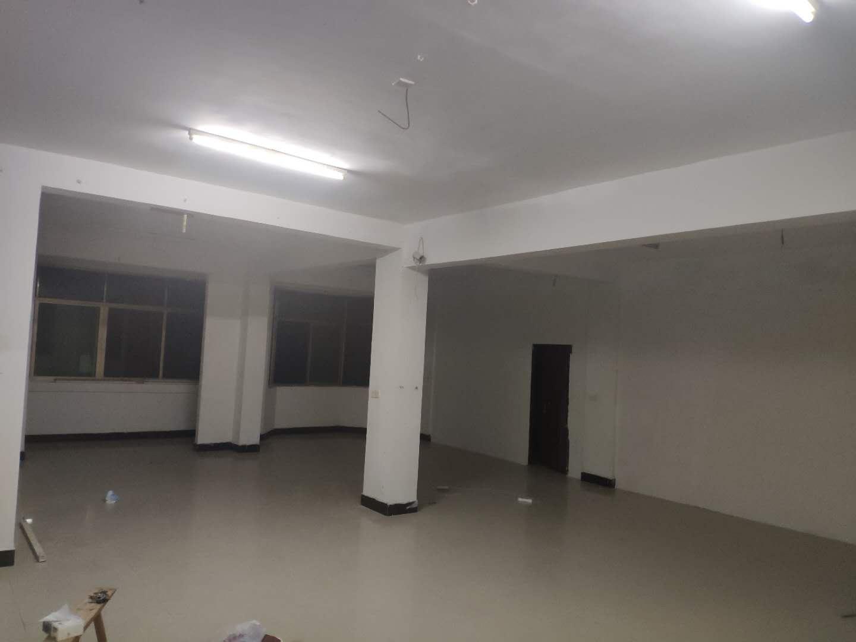 苏溪金三角银龙小区有四间(三、四层)厂房出租