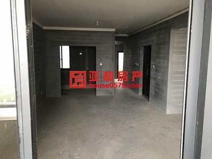 【金鳞花园】福田市场旁边电梯新房105平134万 中间楼层