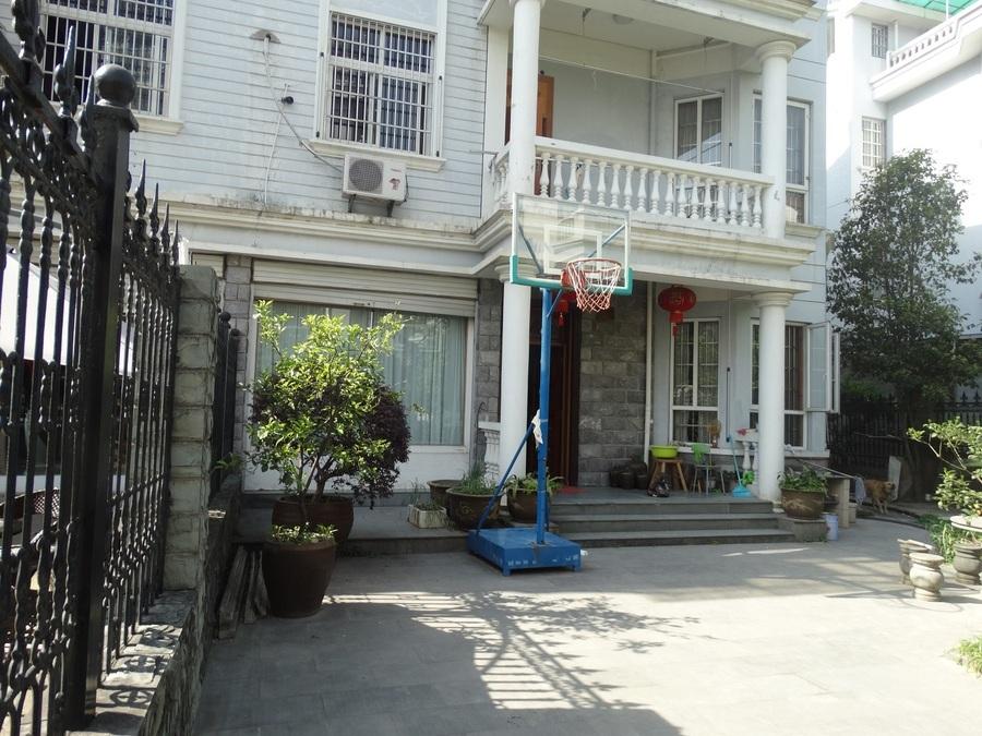 紫荆一期双拼大别墅花园300平全市超低价格出售