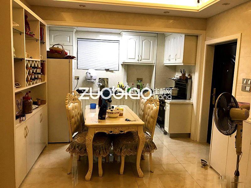 8.9发布,紫荆公寓 17年精装修30万 边套 两房 拎包入