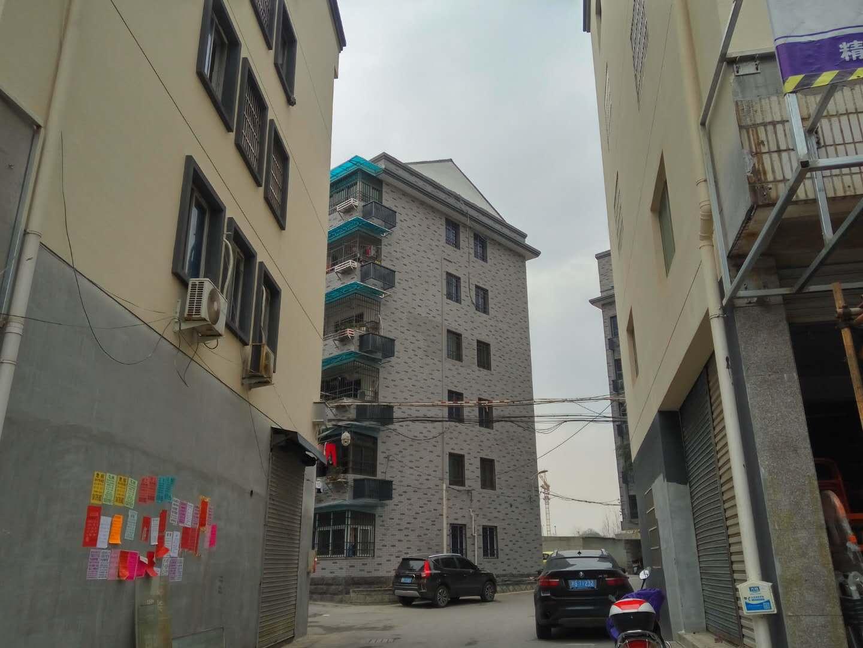 [宾王中学学区】东边套带阁楼和车库、出让满2年