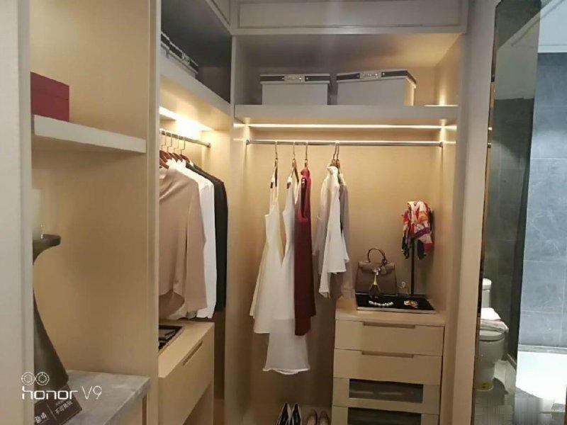 福田商务公寓 宾王幼儿园+小学+中学 可迁户口