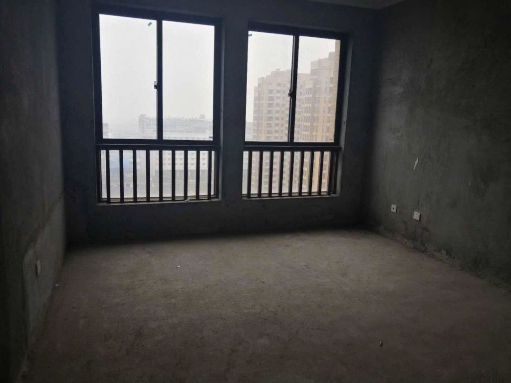 金城二期新推出128平东边套、三室两厅送车库