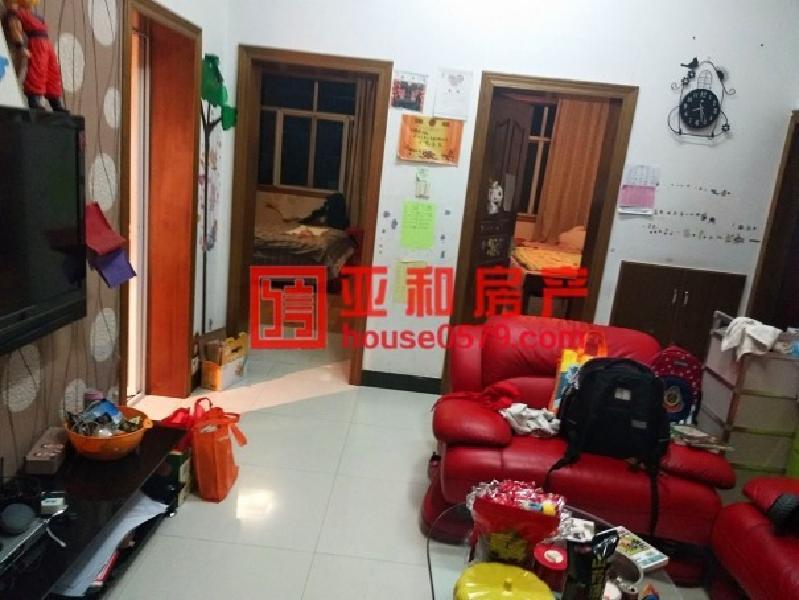 鹏城小区90平140万 带3平储藏室 市场新低
