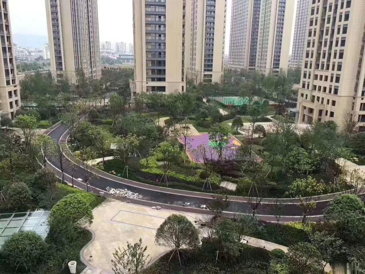 金麟花园大4房,廿三里自带学,区,房环境优美,购物方便