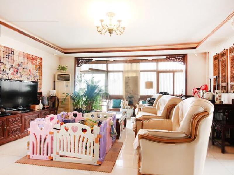 经济公馆 豪华精装拎包入住经典3室畅达客厅动静分离得宜超底价