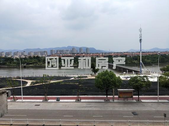 万达华府市场稀缺江景房 带80平超大露台 全新精装修拎包入住