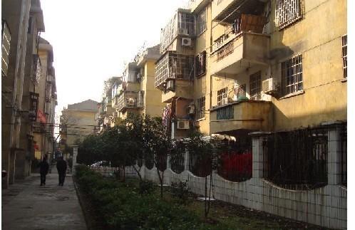 急售杨树塘小区98平 楼层好 自住装修 老城南中学诚心价可谈