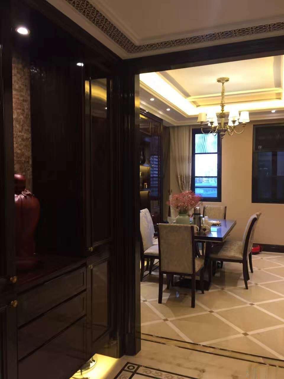 急售豪华装修绿城玫瑰园 3室2厅2卫 151.1平米,送一个