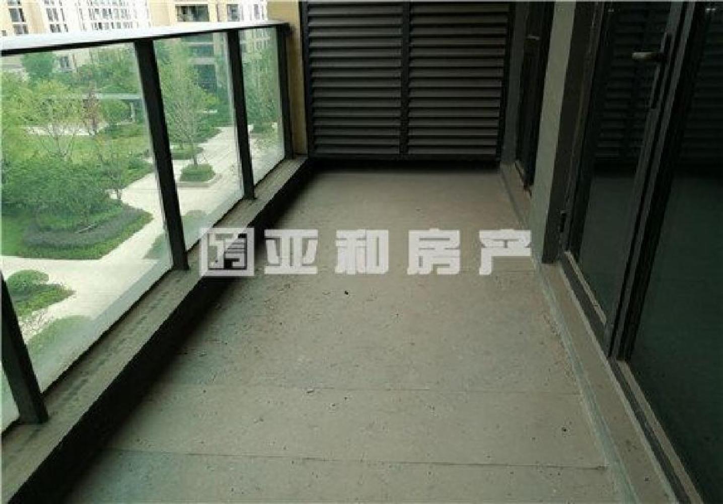 城西香溪裕园 电梯新房 小区环境优美 精致四房东边套