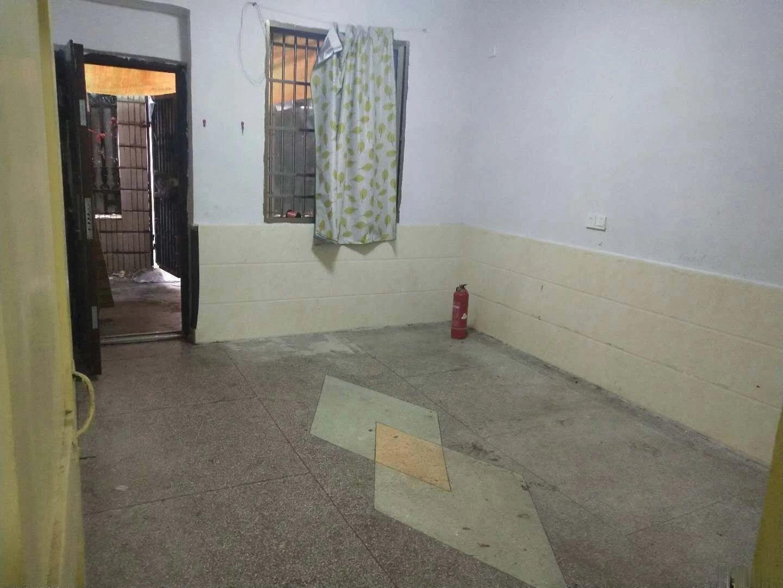 南门街杨树塘,带二十几平院子两室,准拆迁自住加投,资首,选