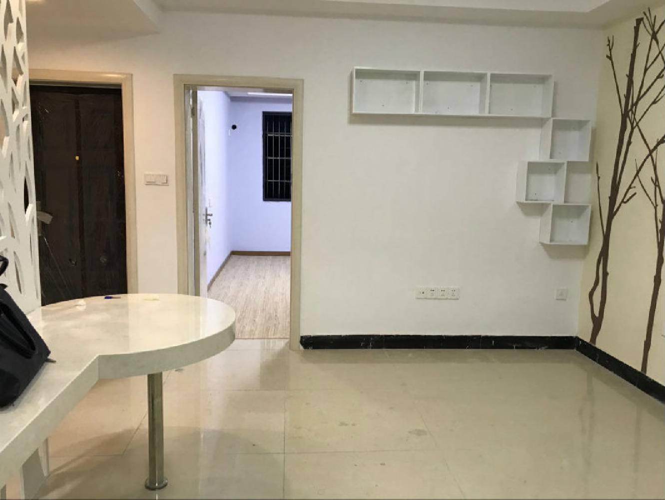 香山小区 精装修 两室 诚心出售  首付底30万起 合格合理