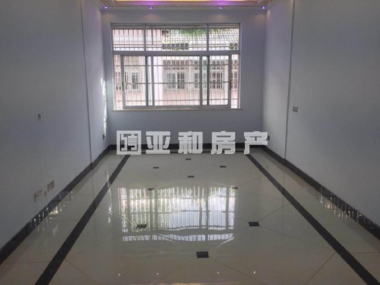 精 鹏城小区 125平168万 诚心出售 产证齐全 看房方便