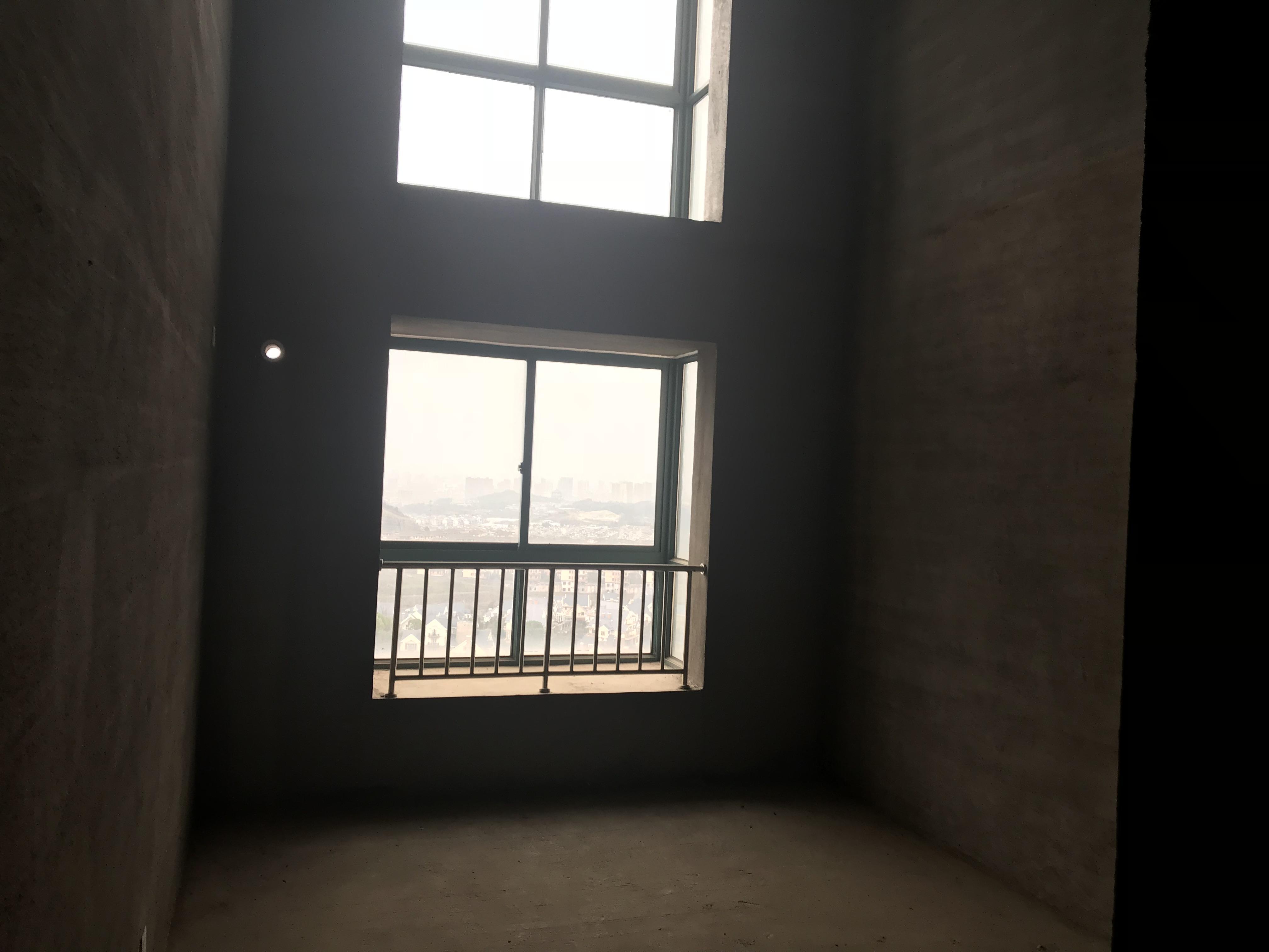 紫荆公寓,楼中楼使用面积220平证件齐全南北通透