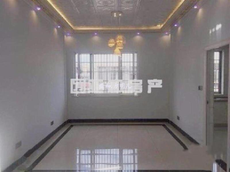 黄金楼层前后都无遮挡采光特别充足、三室户型方正另有储藏室赠送