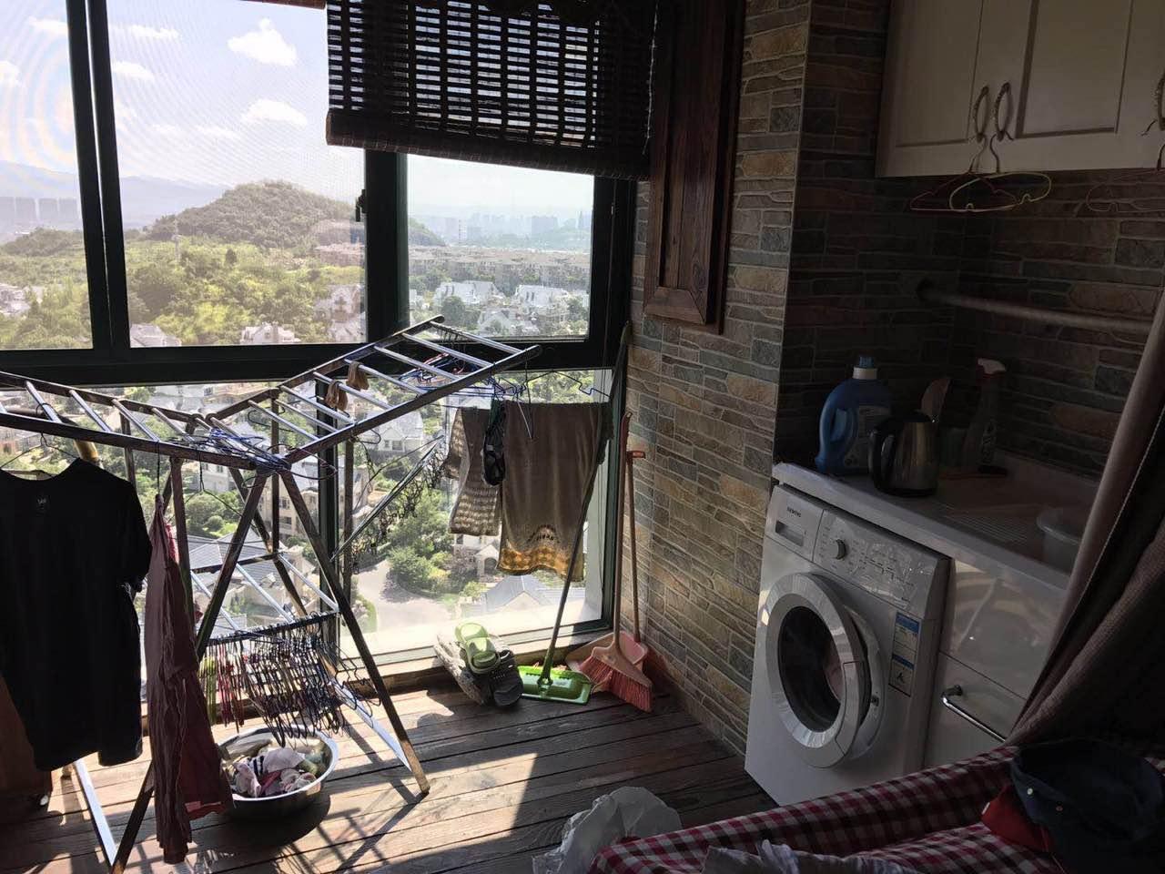 紫荆庄园 精装修证齐23楼高层朝别墅