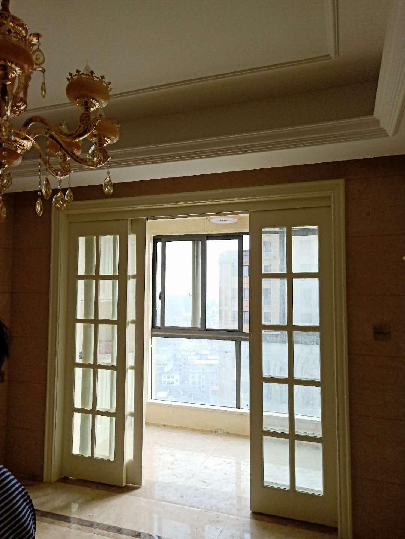 世贸华庭90�O户型好公摊面积小正正的三室全新精装使用面积大