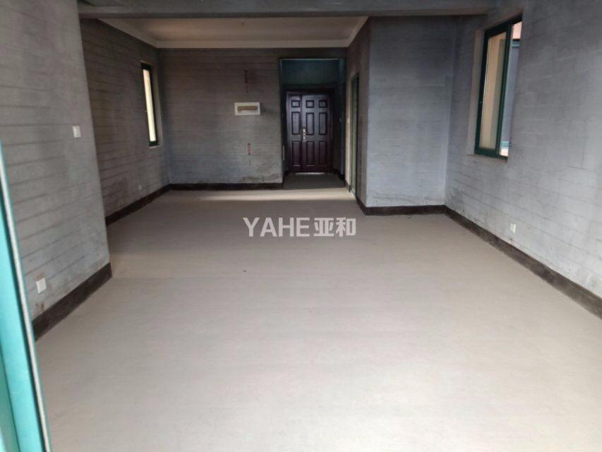 市中心位置新房、三室送价值20万车位、绣湖中小学学区房