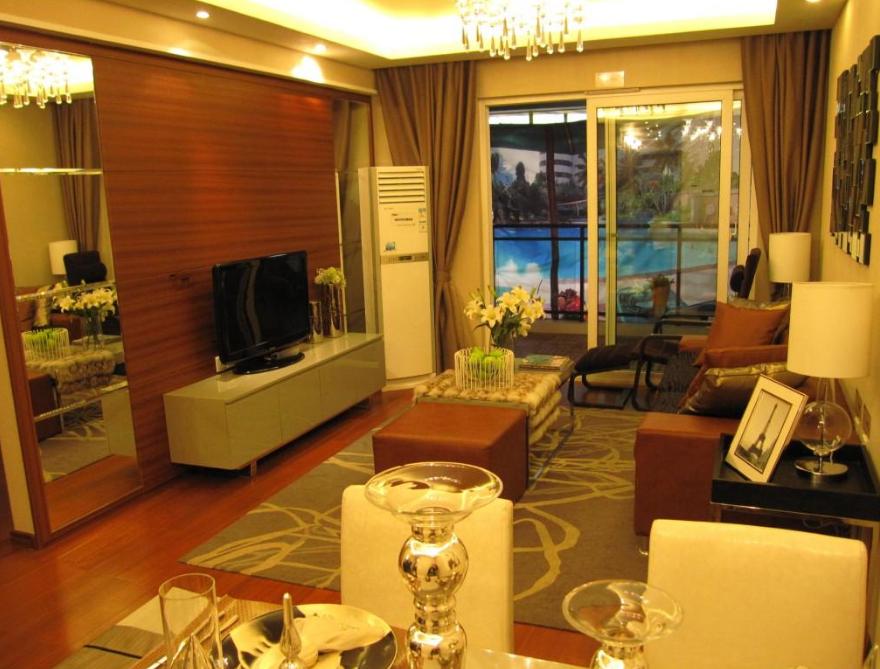 鑫源国际 中装客厅带阳台 满2首付40万封闭式小区