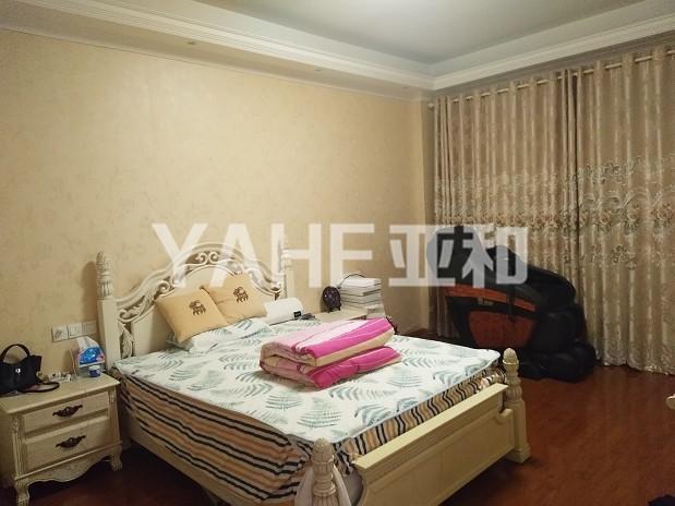 香樟苑 清爽装修 好楼层 两室两厅 107平只卖190万
