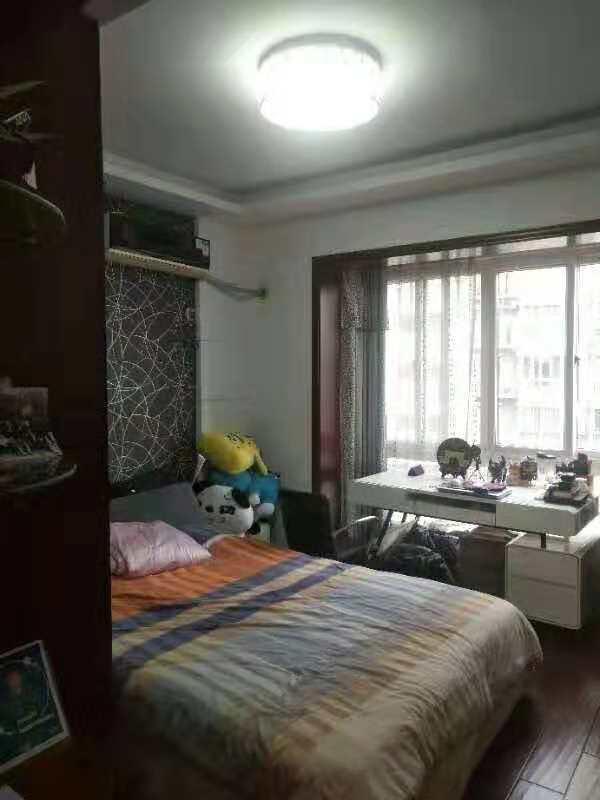 菊园小区98平黄金楼层经典二室出售,位置好,带18平车库