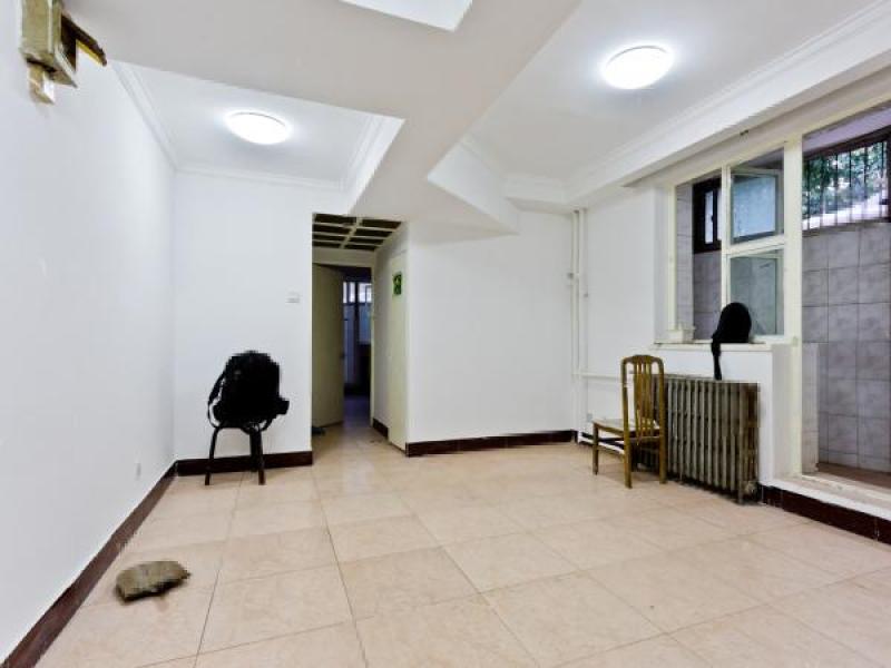 出售超值金苑小区户型:3室2厅、市中心位置周边生活购物方便