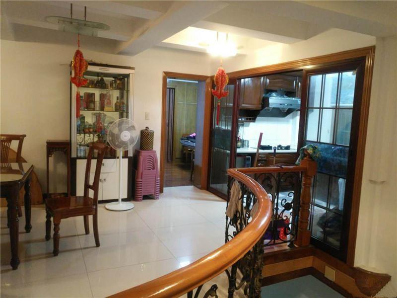 江东四小区垂直房占地126平507平精装已出让满2年自住好房