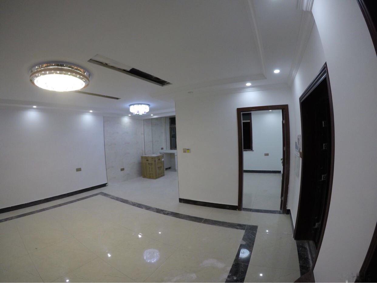 福田市场对面精装修住宅套房