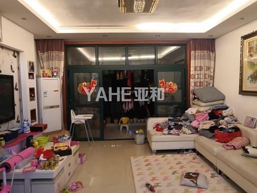 西景园 3室两厅 清爽装修 带大车库 128平只卖160万