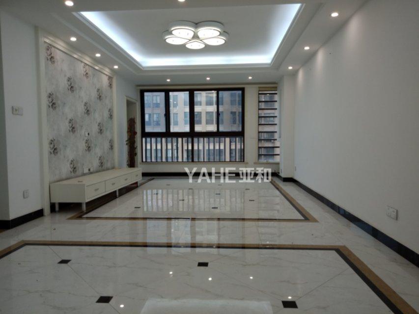 城西万商华府精装修高层 ]三室两厅 适合和人多的家庭