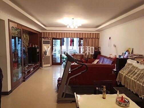 锦绣家园  四室二厅宽敞式房,产证满两年,绣湖中小学的学区房