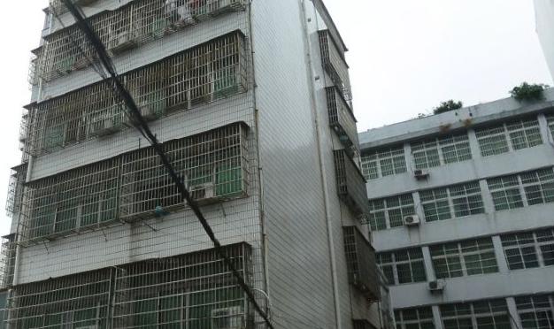 苏溪荷叶塘镇前街6间5层垂直房年租80万以上高回 报 纯住宅