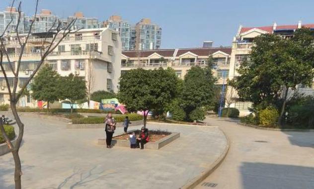 北苑复兴小区垂直房 2间4层 使用450平 边套 公园边上