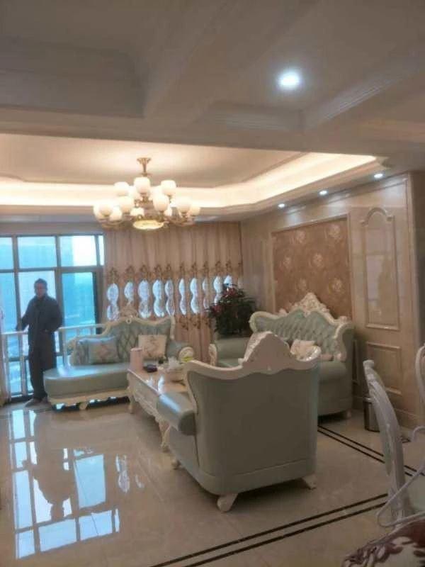 紫竹苑商品房 220平复式楼 装修花了100万家具家电全送
